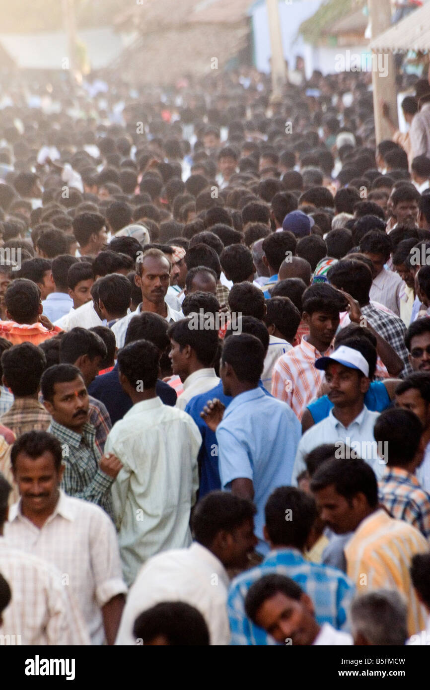 People pack the street of a Tamil Nadu village as part of Pongal festivities. - Stock Image