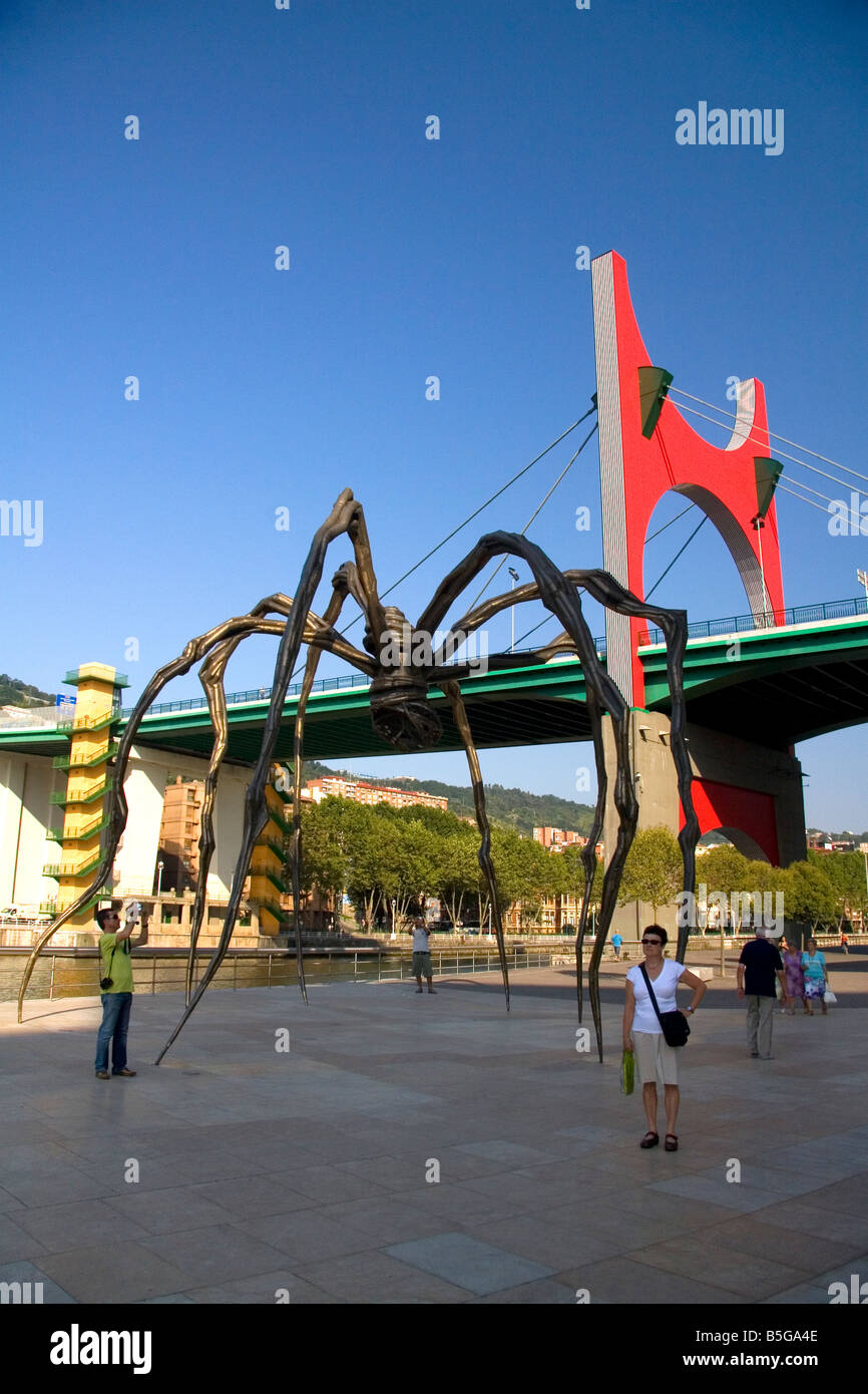 Large spider sculpture Maman by Louise Bourgeois in front of the Guggenheim Museum in Bilbao Biscay northern Spain - Stock Image