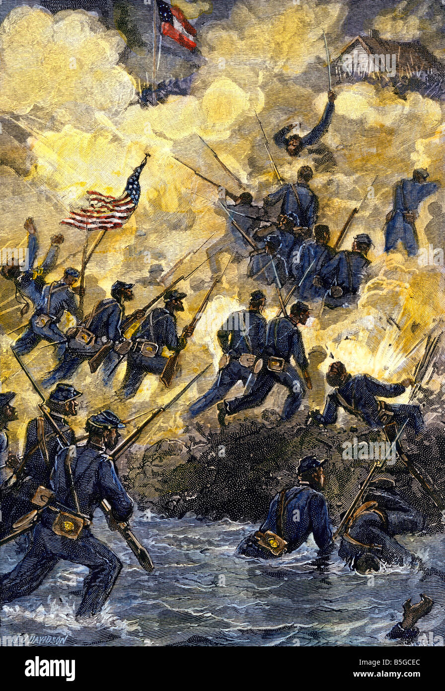 54th Massachusetts Colored Regiment assaulting Confederate stronghold of Fort Wagner, South Carolina. Hand-colored - Stock Image