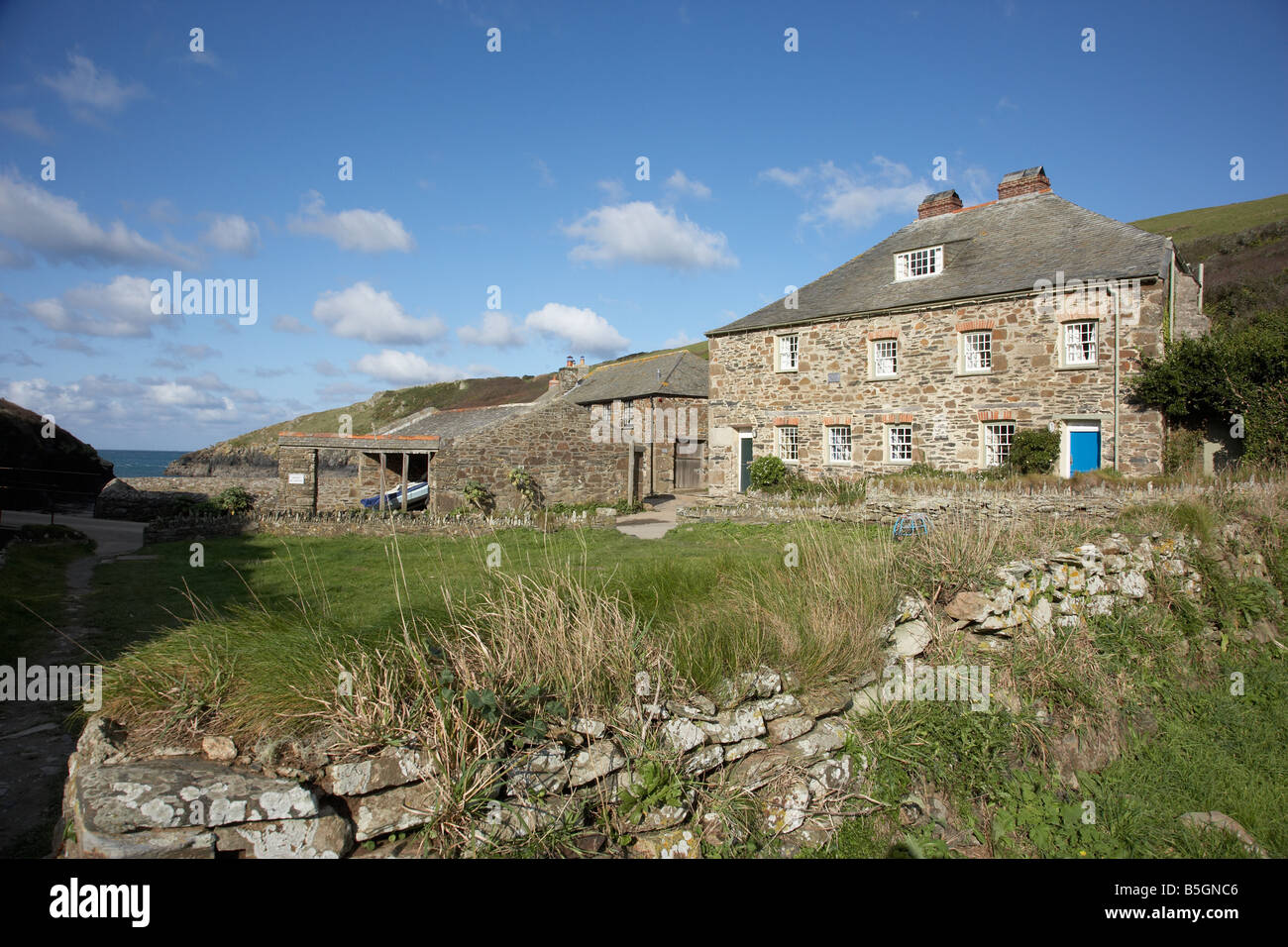 Awesome Traditional Cornish Fishermans Cottage In Port Quin North Interior Design Ideas Pimpapslepicentreinfo