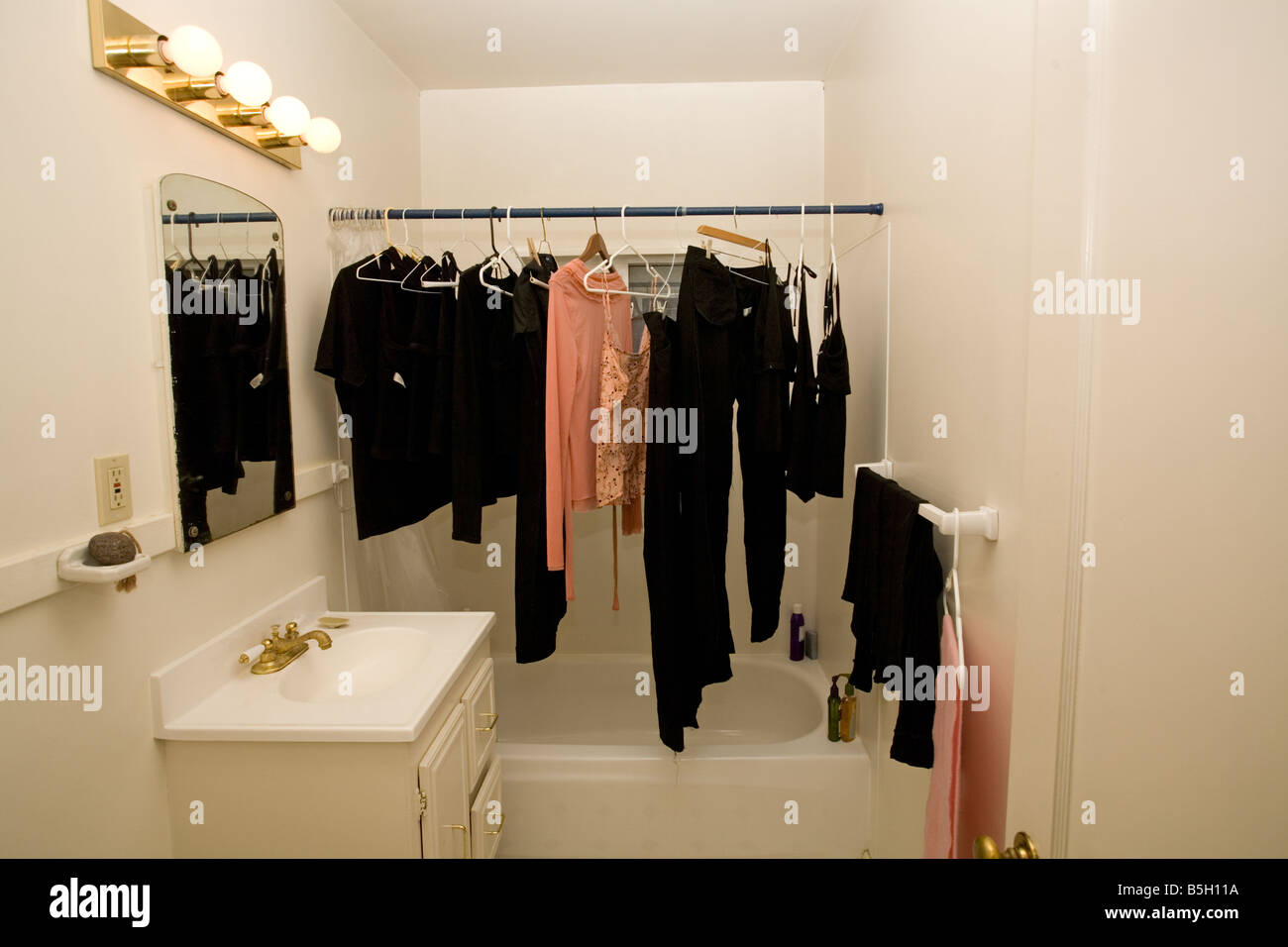 Clothes Hanging To Dry In Bathroom Stock Photo 20657654 Alamy