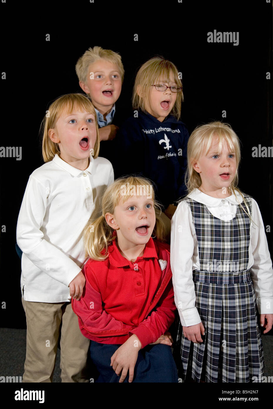 USA AMERICA OREGON A children s choir sings an old folk song at a rehersal in Bend Oregon - Stock Image