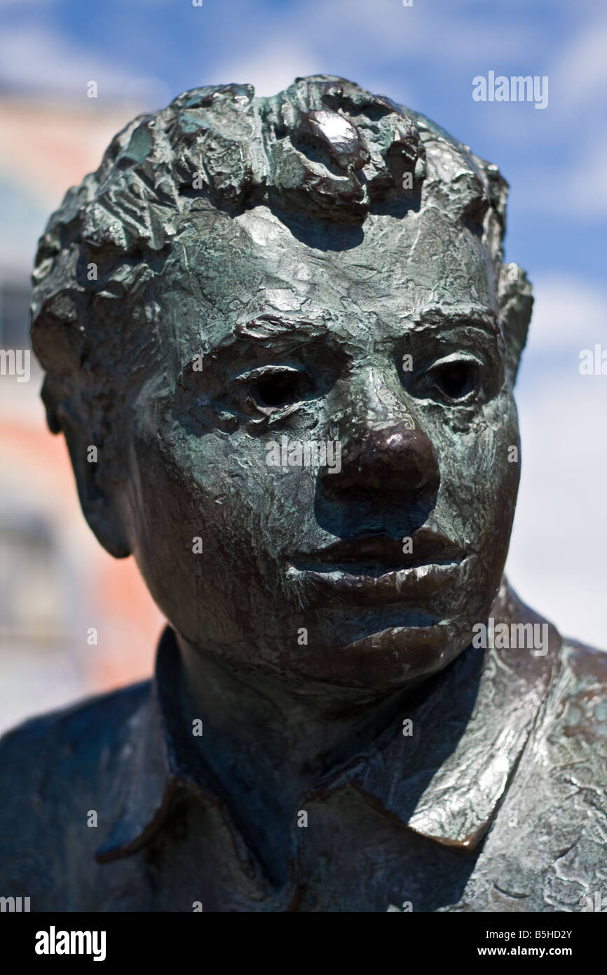 A close up of the Dylan Thomas statue in Dylan Thomas Square, Swansea, Wales. - Stock Image