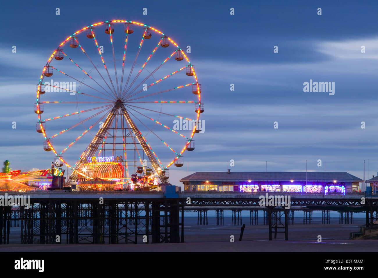 The Ferris Wheel on the Central Pier, Blackpool, Lancashire, England, UK. - Stock Image
