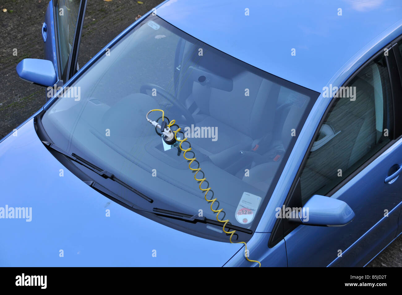 Windscreen Repair High Resolution Stock Photography And Images Alamy
