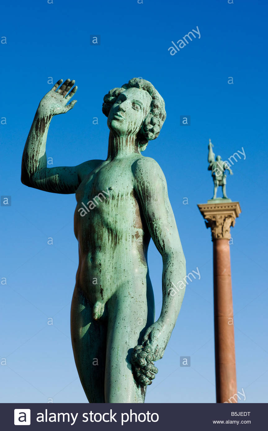 Statues in front of Stadshuset the Stockholm Town Hall  by Carl Eldh Stockholm 2008 - Stock Image