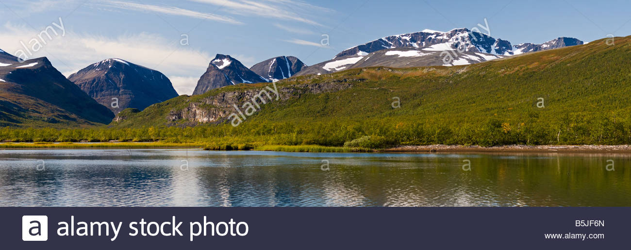 Panoramic view of Kebnekaise (right) and Tuolpagorni (centre), Lapland, Sweden. - Stock Image