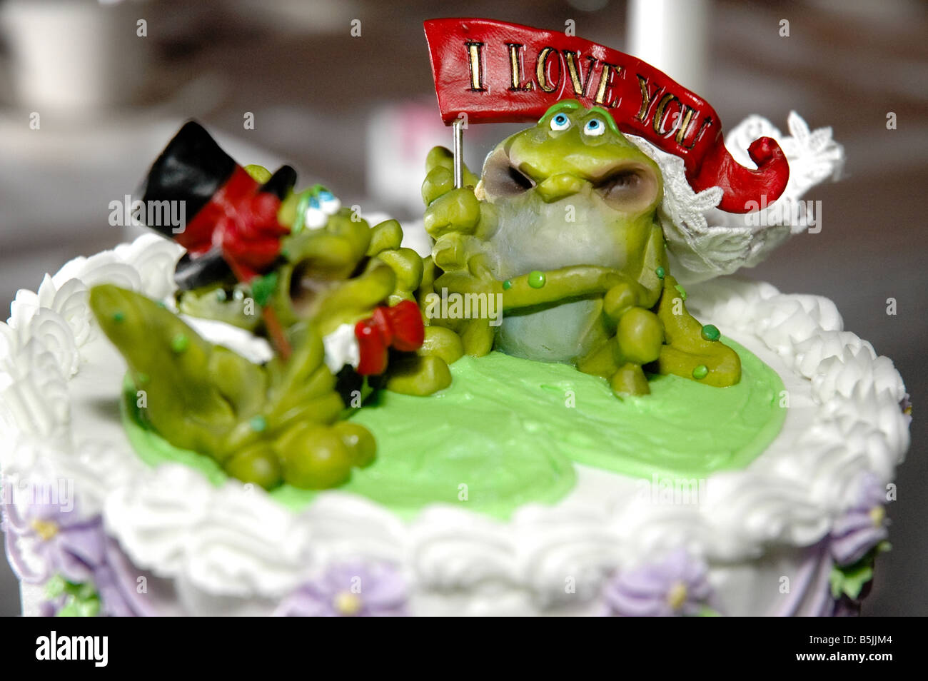 Wondrous Ugly Cake Stock Photos Ugly Cake Stock Images Alamy Funny Birthday Cards Online Alyptdamsfinfo