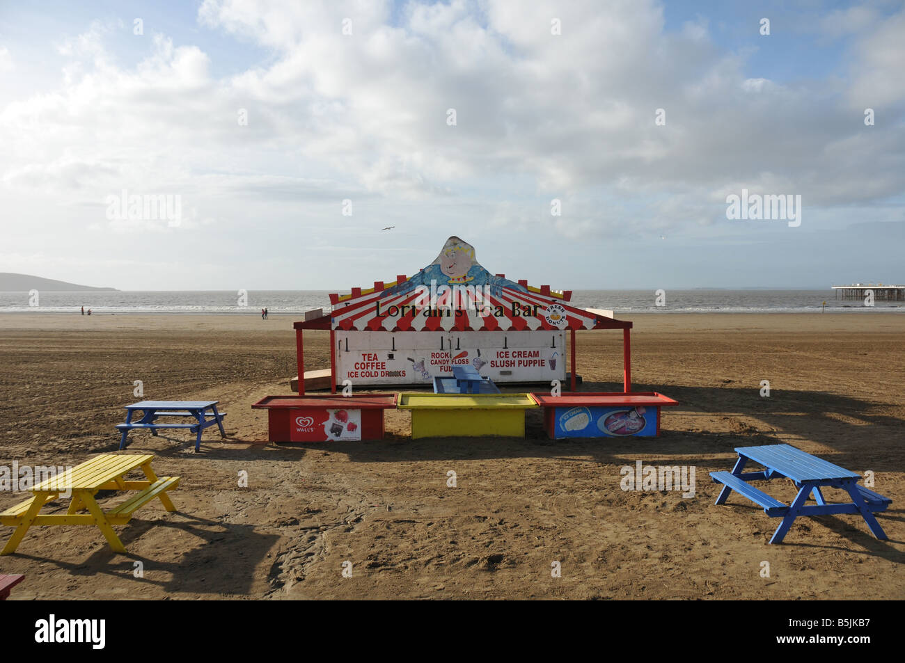 A deserted cafe on a cold autumn afternoon on the beach at the seaside resort of Weston Super Mare. - Stock Image