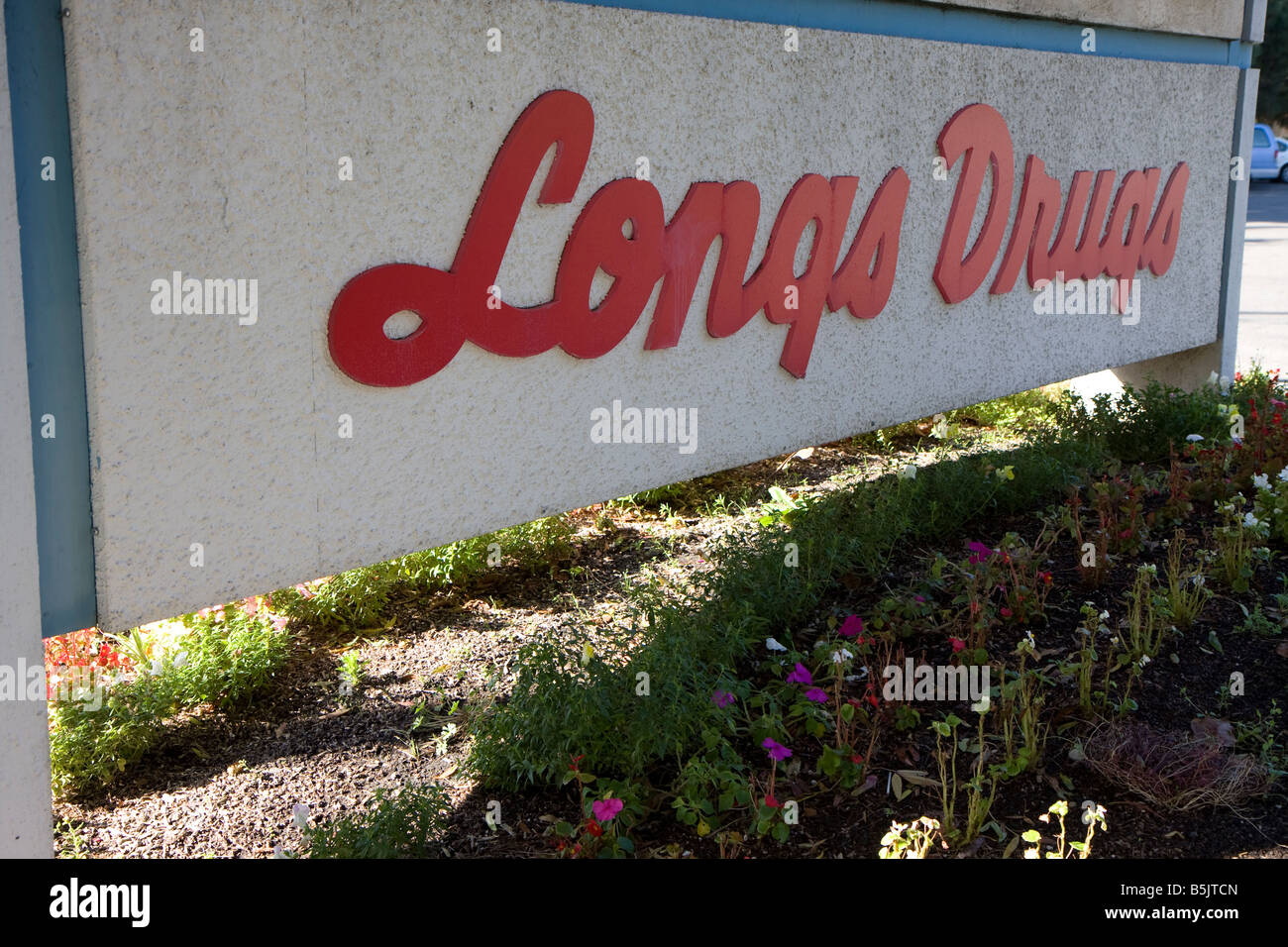 Sign depicting 'Longs Drugs' (LDG) in front of a store in San Jose, California.  Longs is looking to be - Stock Image