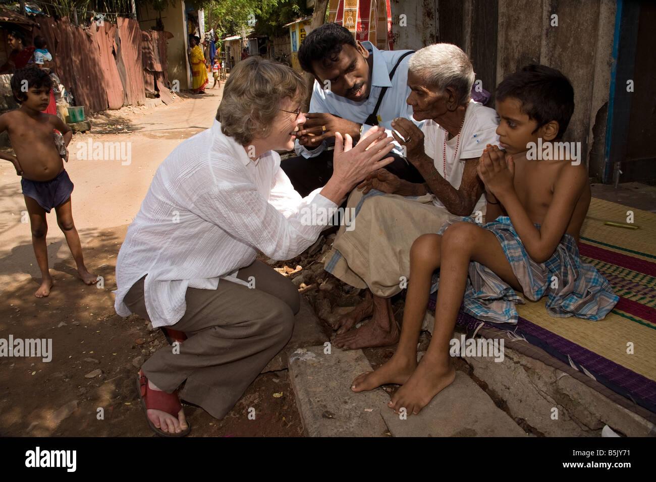 CelebrityJane Fernley-Whittingstall & HAI social worker Marimthu visit Mrs Mottaiamma 85 looking after great - Stock Image