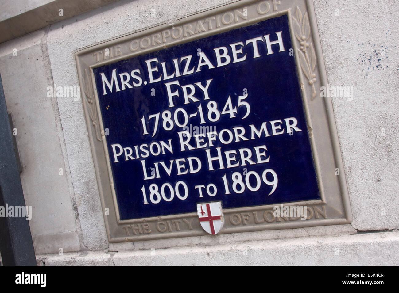 Mrs Elizabeth Fry 1780-1845 Prison Reformer Lived Here 1800-1809 City of London Blue Plaque - Stock Image