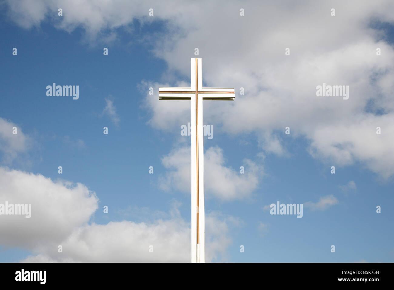 Cross Cutting Stock Photos & Cross Cutting Stock Images - Alamy