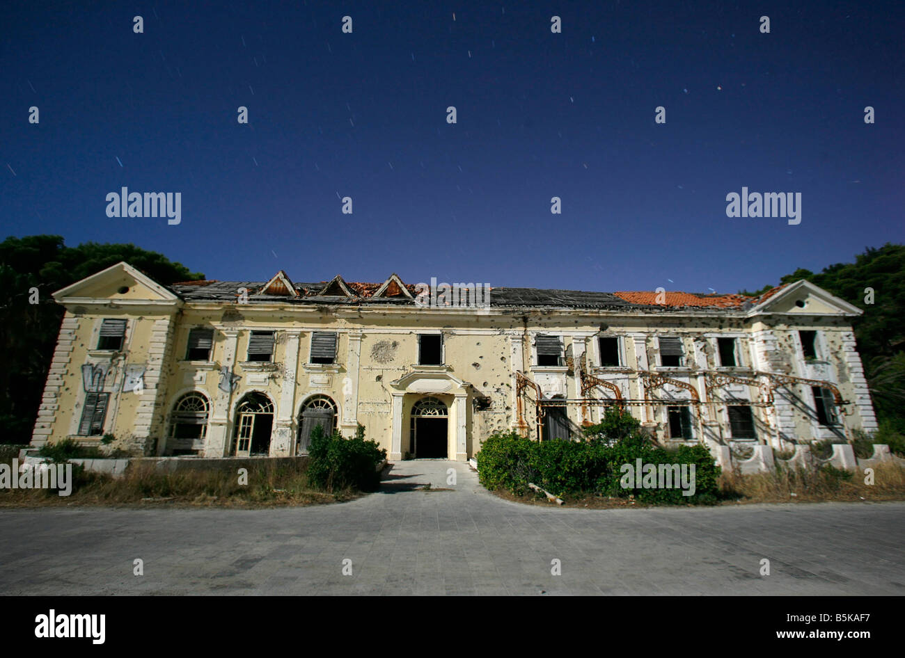 Abandoned hotel after the war in Croatia - Stock Image