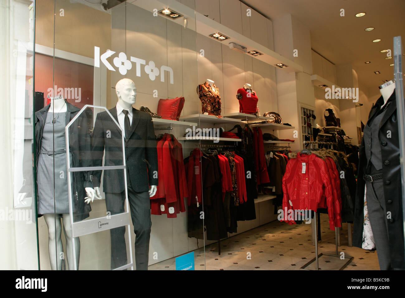 Koton Turkish Clothing Outlet On Istiklal Caddesi Istanbul Turkey
