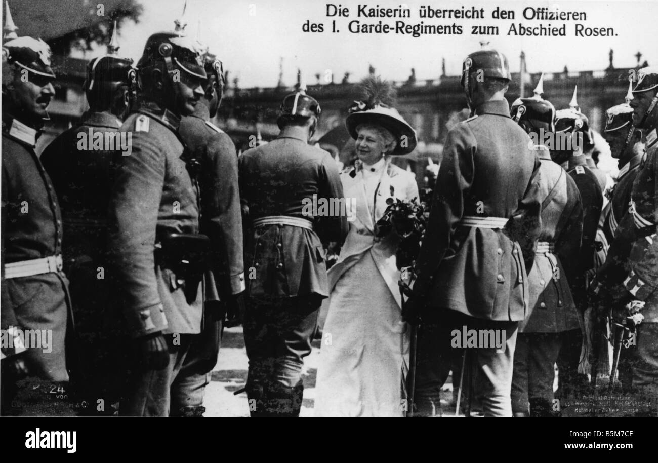 1 V6 F1914 E Auguste Victoria presents roses 1914 Auguste Victoria German Empress Dolzig Sorau county 22 October - Stock Image