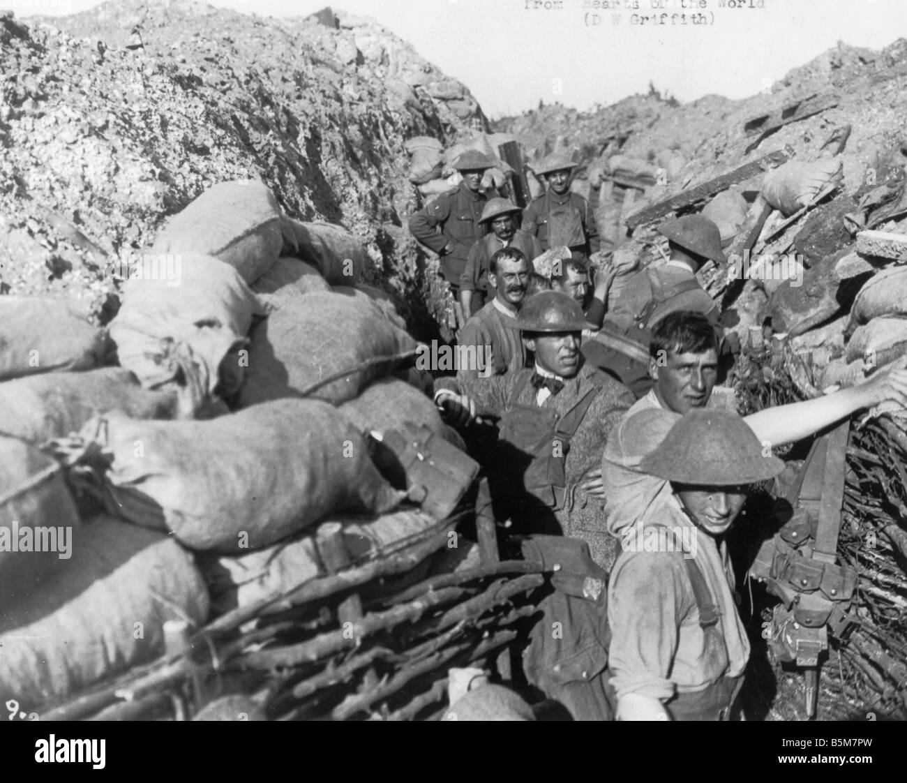 1US 780 F1917 D W Griffith on the French Front 1917 Griffith David Wark US American film director 1875 1948 D W - Stock Image