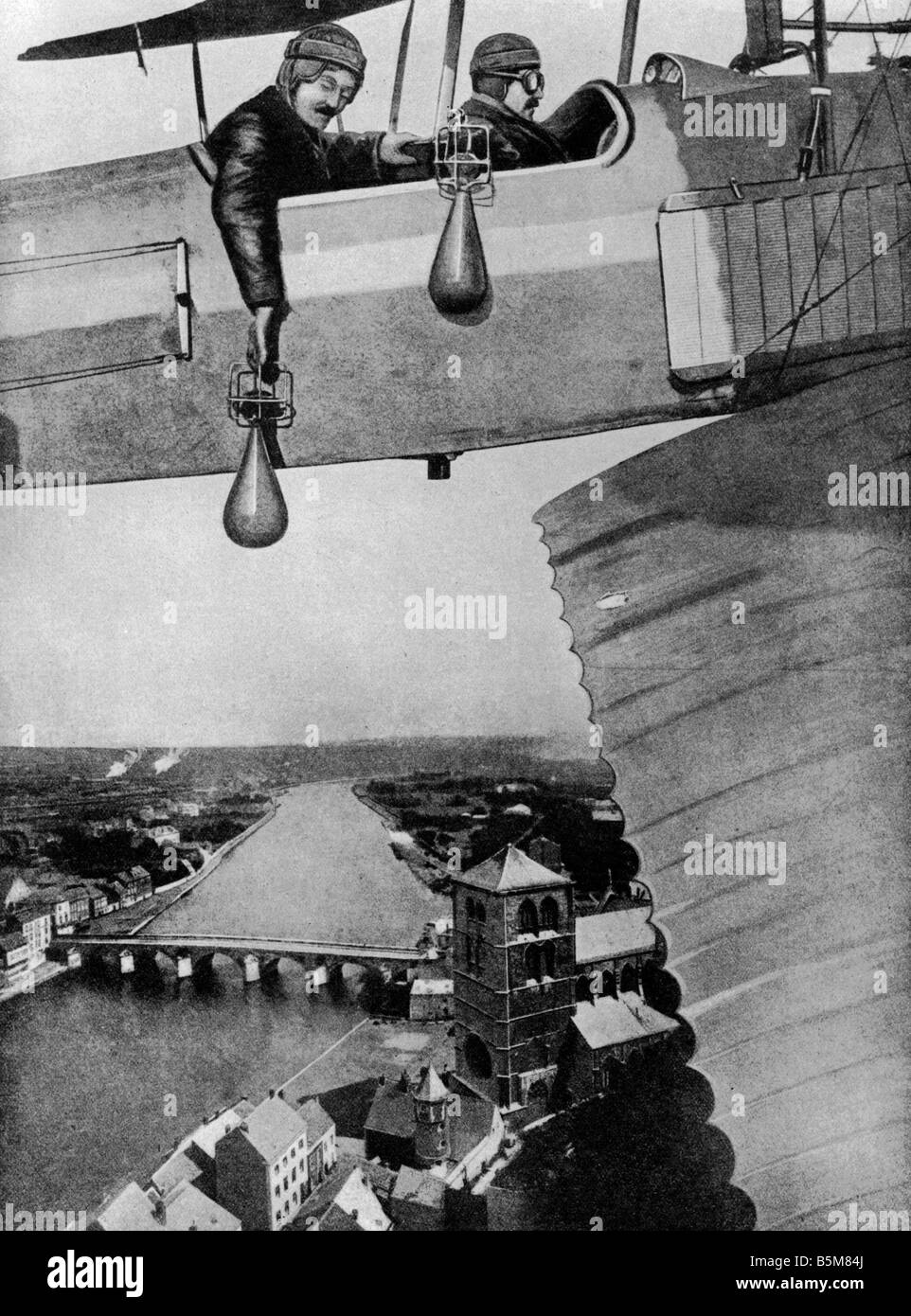 2 G55 B1 1914 3 Airmen dropping bombs Montage WWI History World War I Aerial warfare Airmen dropping bombs Montage - Stock Image