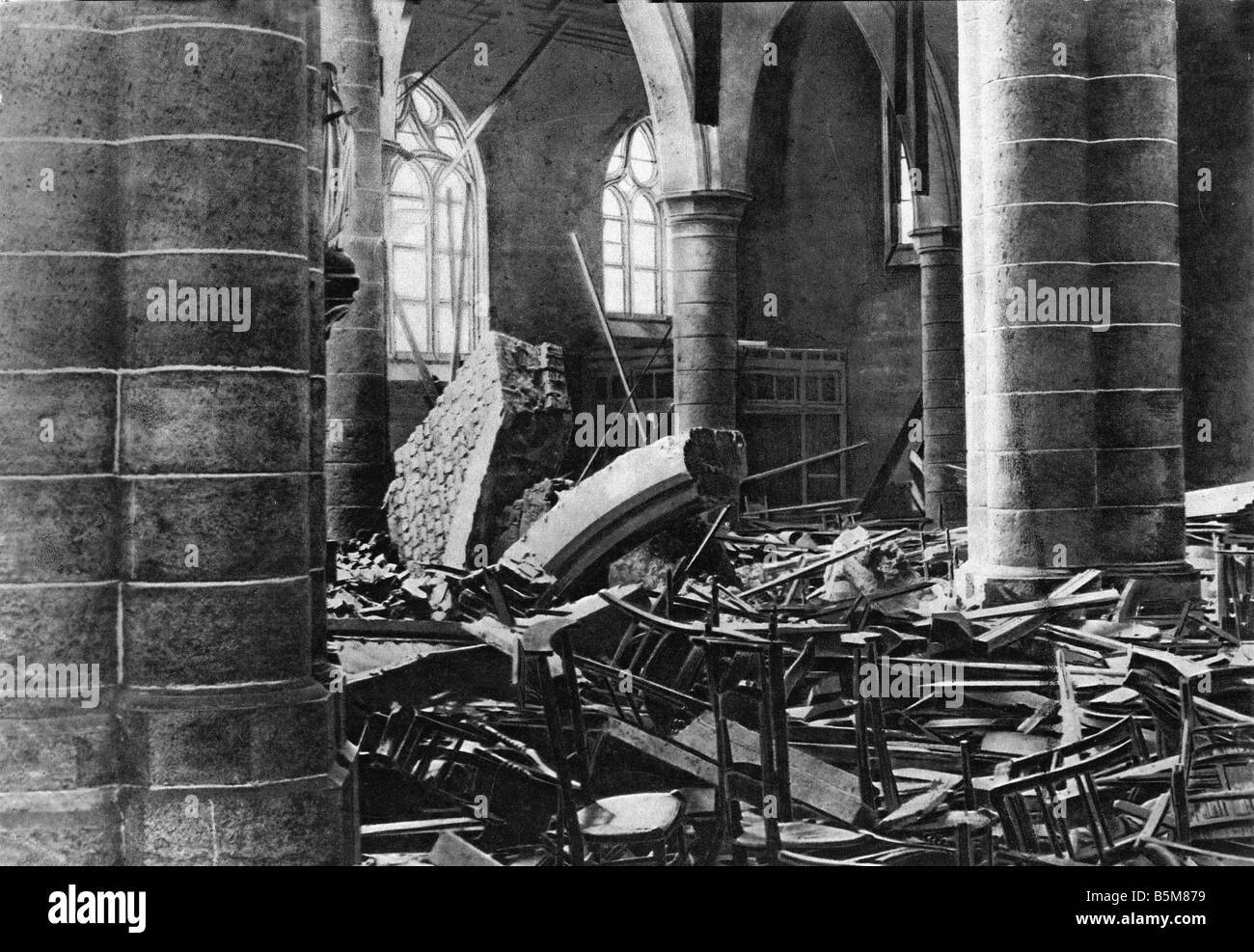 2 G55 B1 1918 3 Aerial Warfare Zeebrugge History World War One Aerial warfare The Church at Lisseweghe Zeebrugge - Stock Image