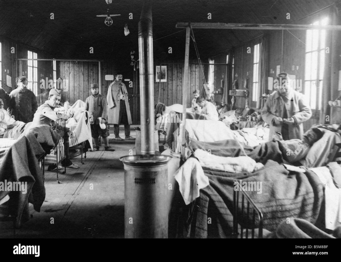 2 g55 f1 1915 8 fatally wounded in french field hospital history wwi stock photo 20729283 alamy. Black Bedroom Furniture Sets. Home Design Ideas