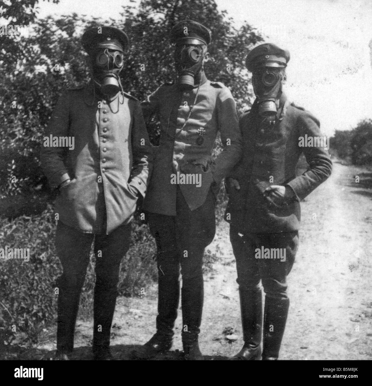 2 G55 G1 1915 7 WWI German soldiers in gas masks History WWI Gas warfare German soldiers wearing gas masks Photo - Stock Image