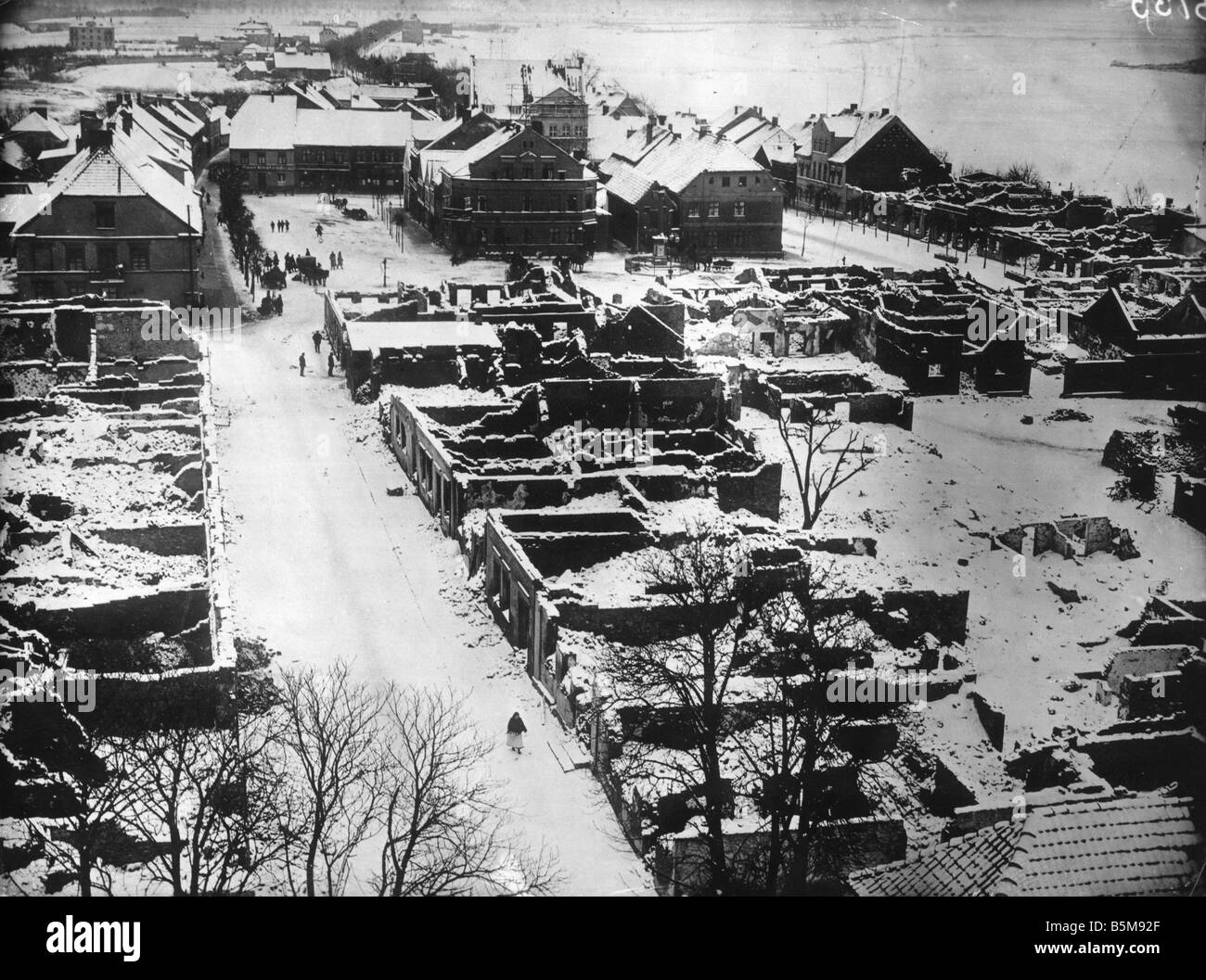 2 G55 O1 1914 14 WWI Destruction in Gerdauen Photo History WWI Eastern Front View of Gerdauen East Prussia after - Stock Image