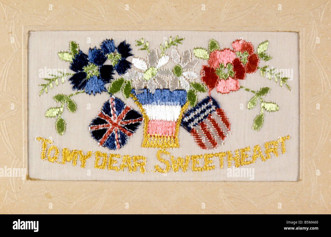 2 G55 P1 1918 13 E To my dear sweetheart Postcard 1918 History World War I Propaganda To my dear sweetheart Flags - Stock Image