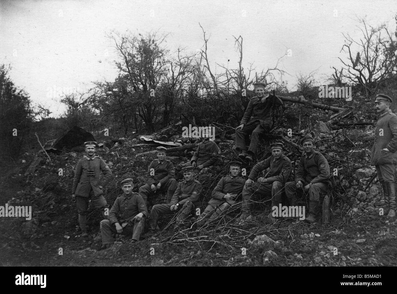 2 G55 W1 1917 17 Western Front 1917 German soldiers History World War One Western front Group photograph of German - Stock Image