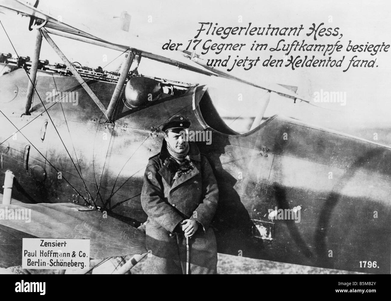 World War I 1914 Military Airforce World War I Flight lieutenant Hess in front of his plane Photo Paul Hoffmann - Stock Image