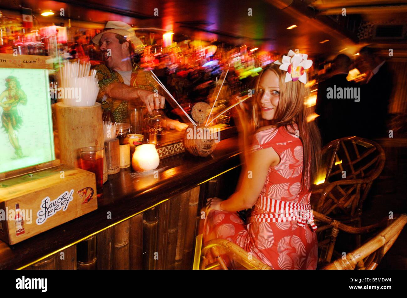 A Paris Bar Girl Stock Photos & A Paris Bar Girl Stock Images - Alamy