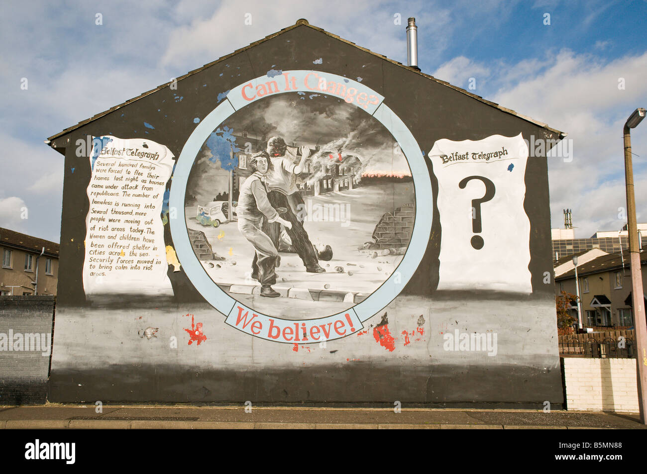 Loyalist/Unionist mural, 'Can it change? We believe!' - Stock Image