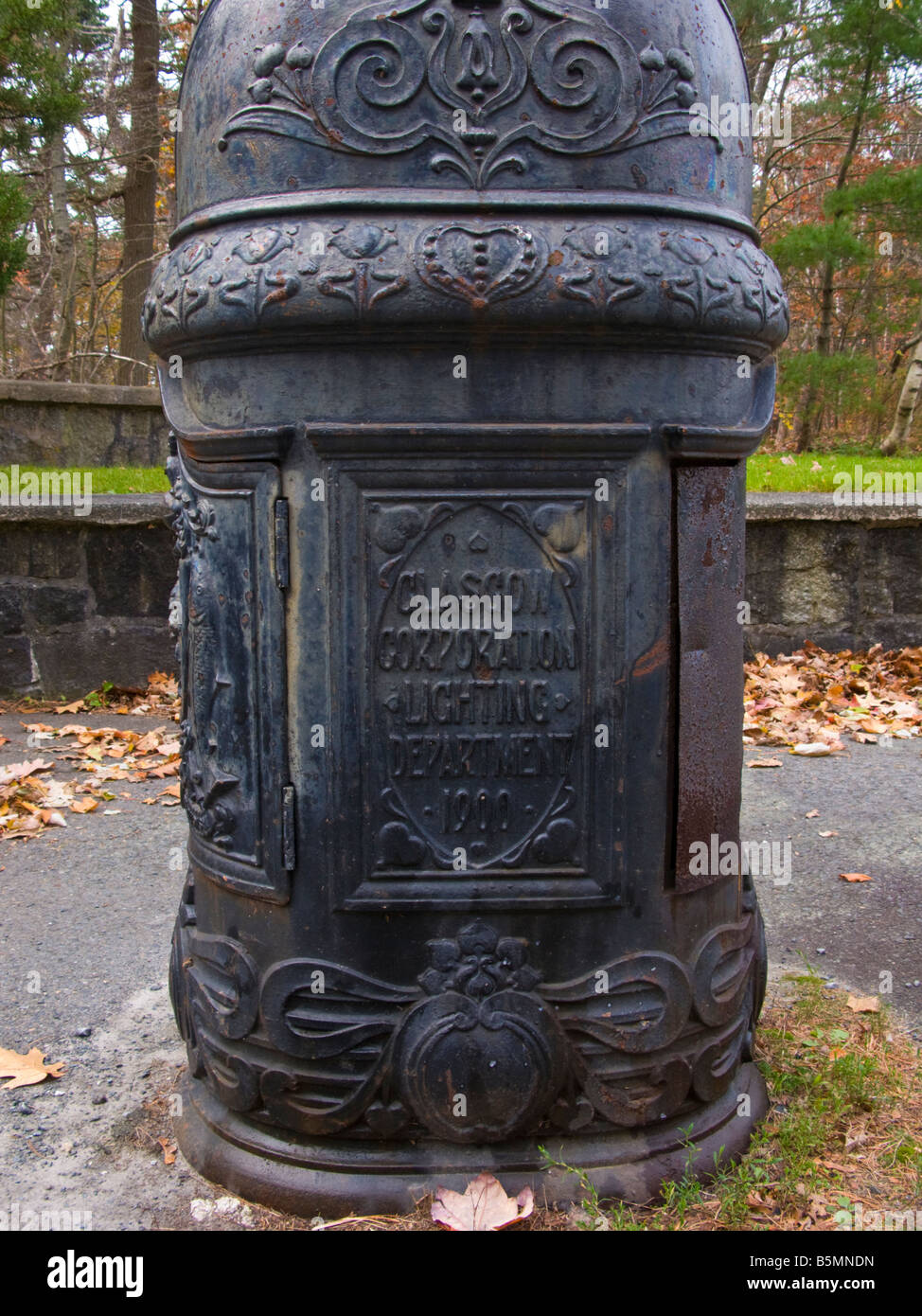 Cast Iron Furniture High Resolution Stock Photography And Images Alamy