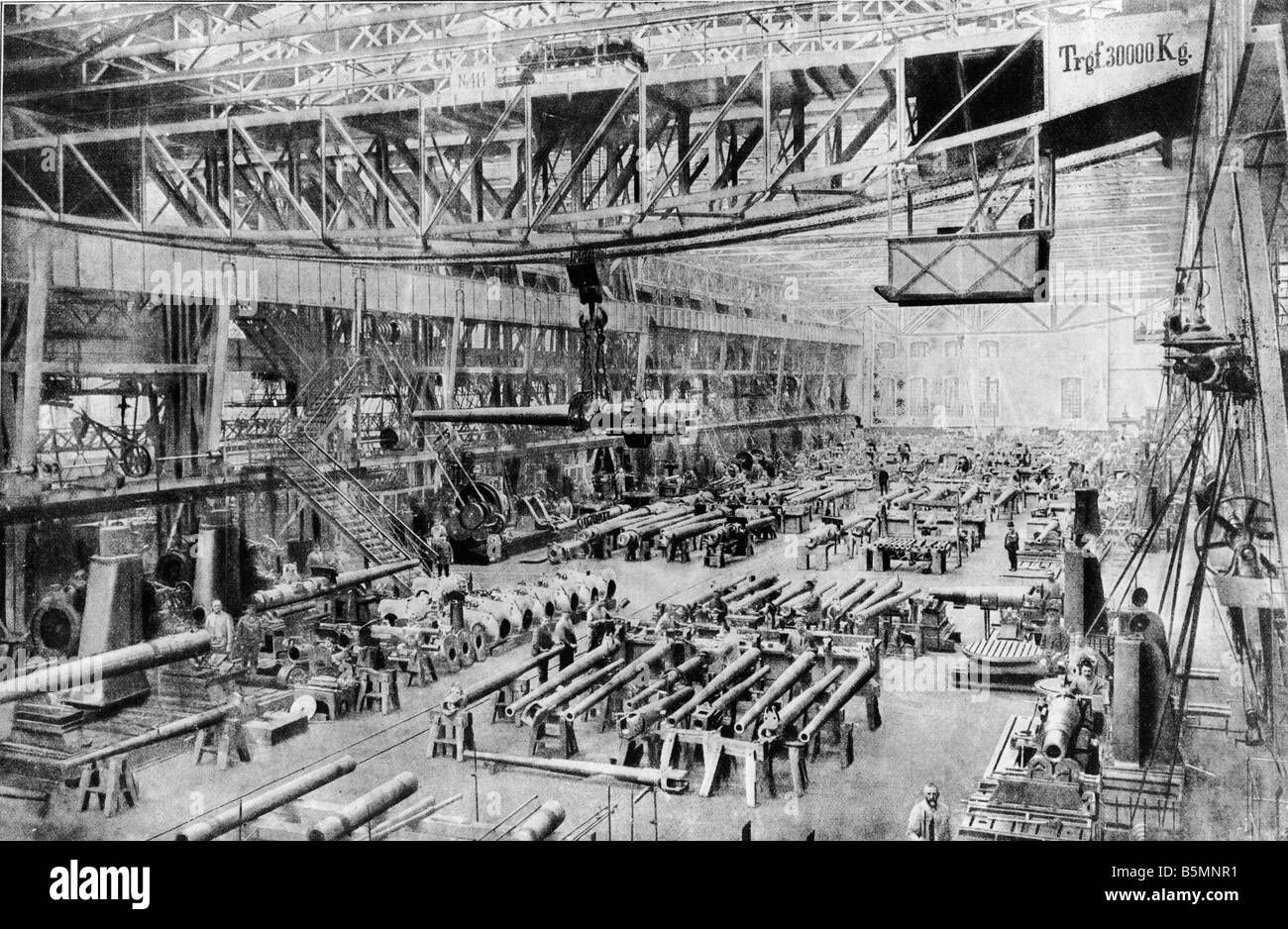5 E2 I1 1914 E Armaments production at Krupp c 1914 Essen Friedrich Krupp AG Interior view armaments production - Stock Image