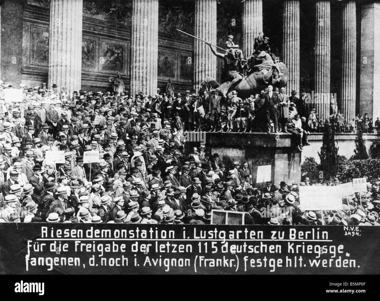 8 1919 0 0 A2 Demonstration for POWs Berlin 1919 End of World War I Berlin 1919 Demonstration in the Lustgarten - Stock Image