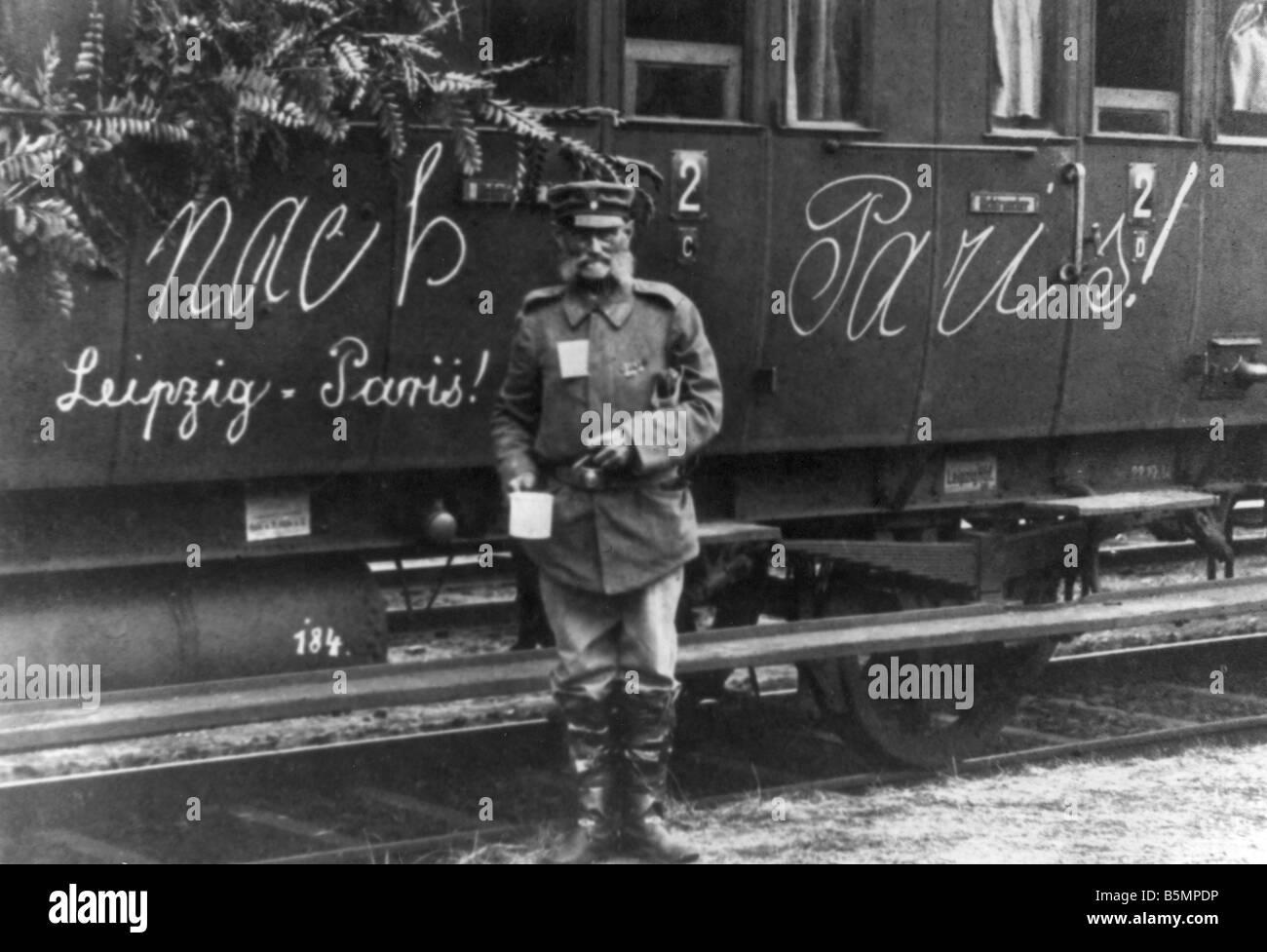 9 1914 8 0 A9 WWI mobilisation troop transport railway World War I Mobilisation August 1914 War veteran in front - Stock Image