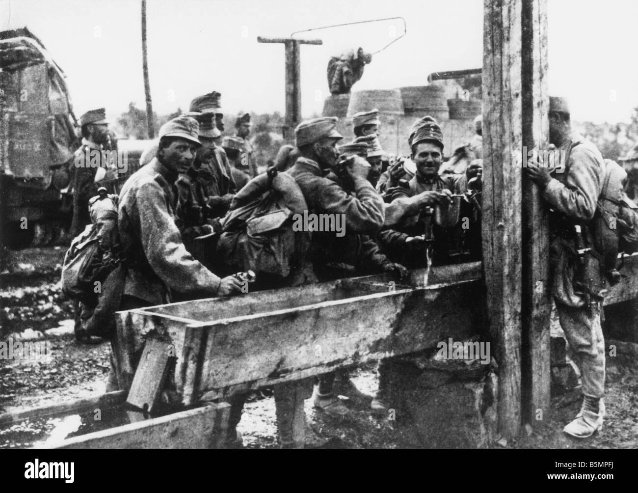 9 1915 0 0 A3 E Isonzo battles Austrian soldiers 1915 World War 1 Italian Front Isonzo battles 1915 17 Austrian - Stock Image