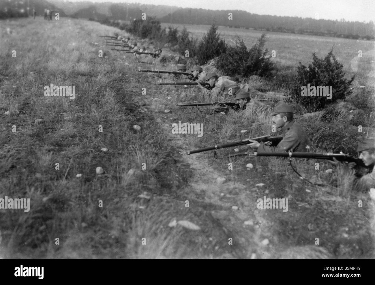 9 1916 0 0 A1 German Infantry in Trench Photo World War I German infantry troops in trench Photo 1916 Otto Haeckel - Stock Image