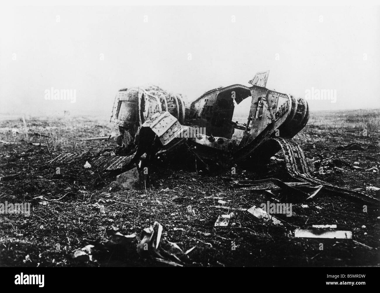 9 1917 11 20 A2 11 E Destroyed English tank Nov 1917 World War 1 1914 18 Western Front Tank battle at Cambrai 20th - Stock Image