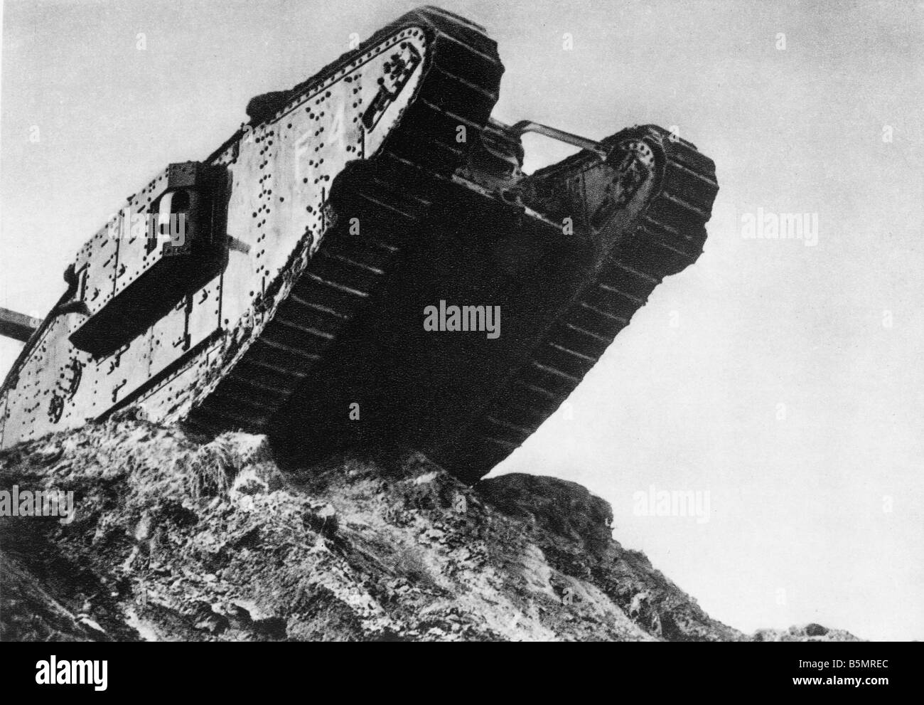 At Cambrai Stock Photos Images Alamy Battle Story 1917 9 11 20 A2 2 E Tank English World War One