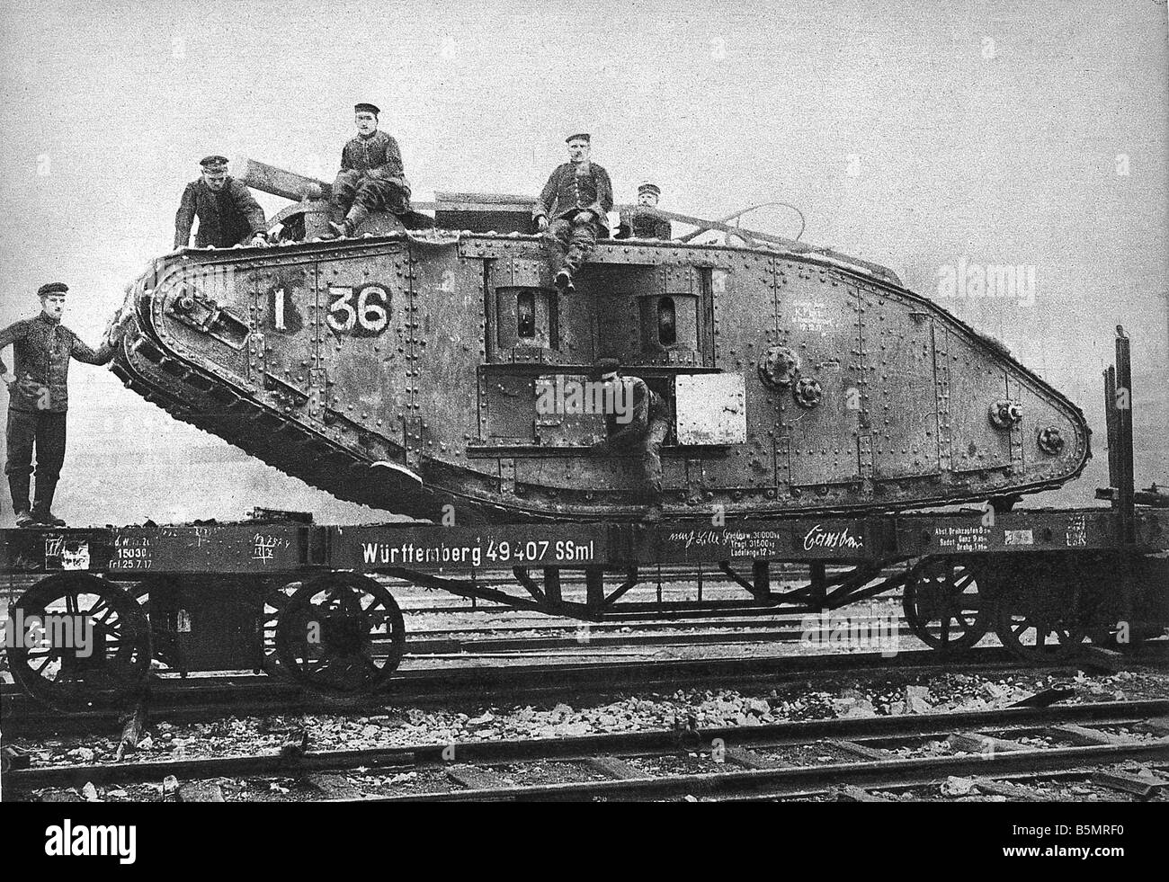 9 1917 11 20 A2 27 E WW1 Transportation of capt Eng tank World War 1 1914 18 France Battle of Cambrai 20th 29th - Stock Image