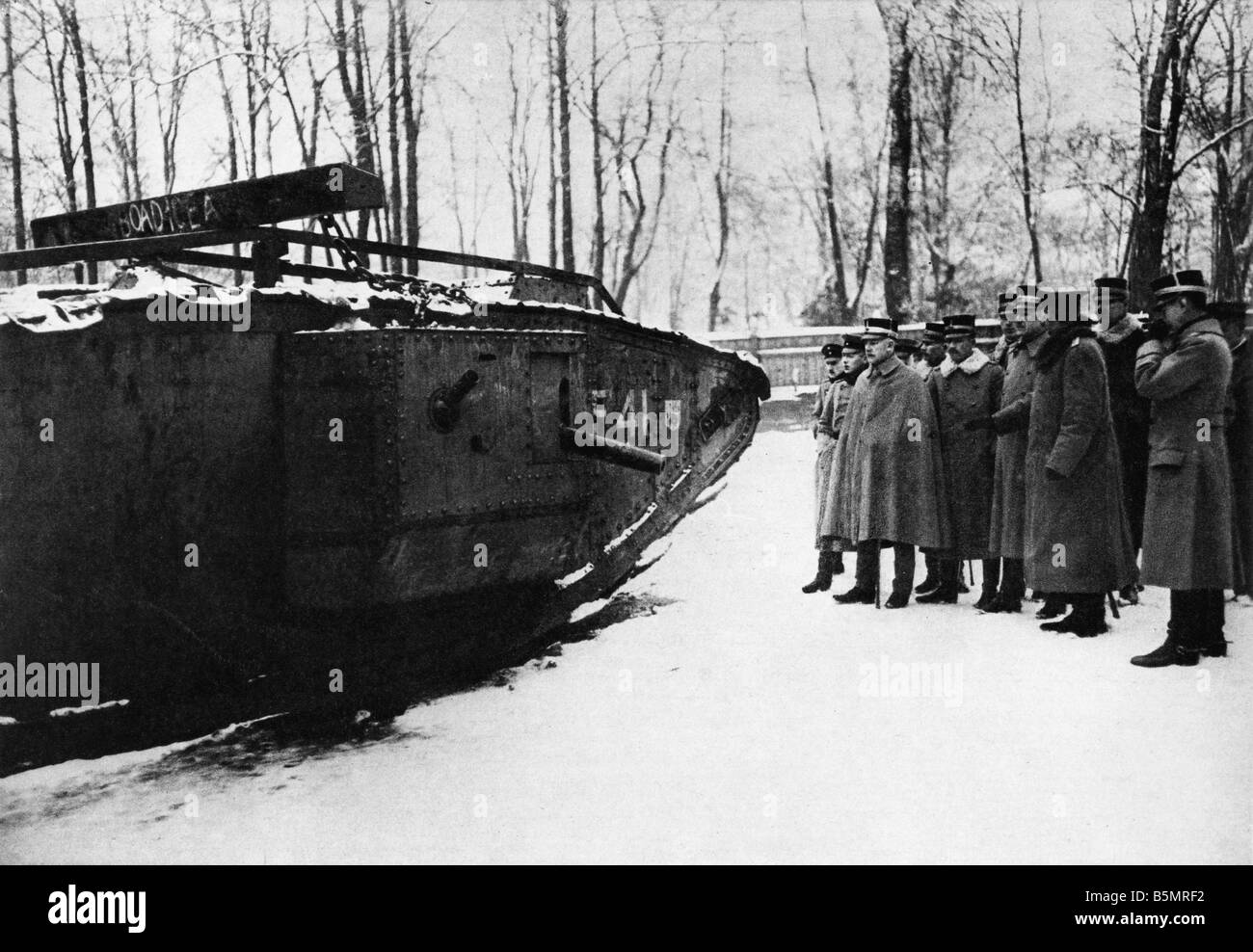 9 1917 11 20 A2 28 E WW1 Inspection captured English tank World War 1 1914 18 France Battle of Cambrai 20th 29th - Stock Image