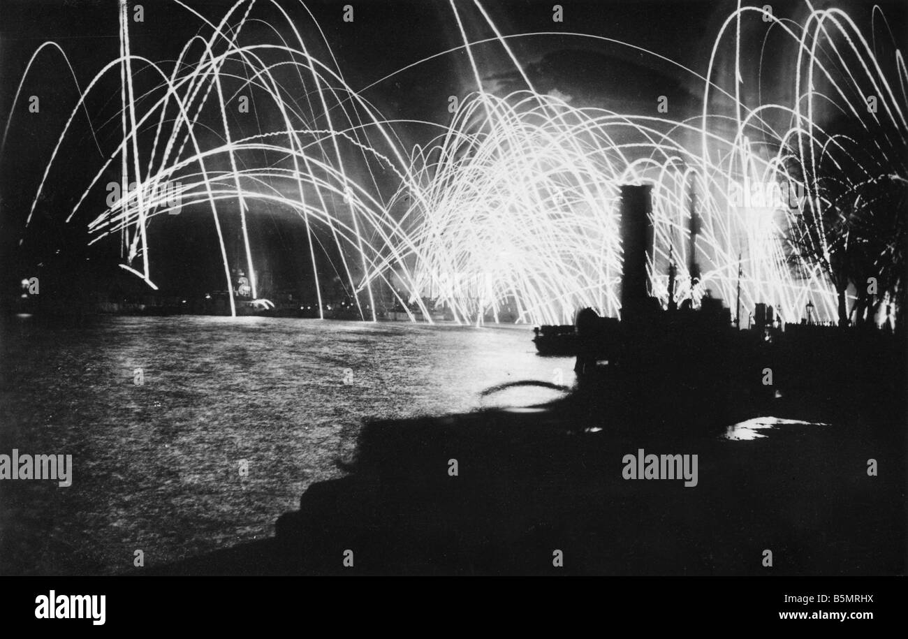 9 1918 11 10 A1 German fleet Wilhelmshaven Nov 1918 November Revolution 1918 Wilhelmshaven after the mutiny by sailors - Stock Image