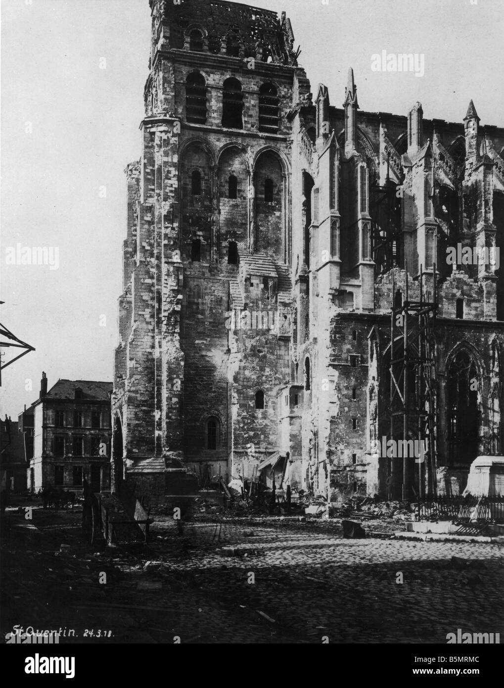 9 1918 3 24 A1 3 Wartorn Church Saint Quentin 1918 World War 1 Western Front German major offensive March July 1918 - Stock Image