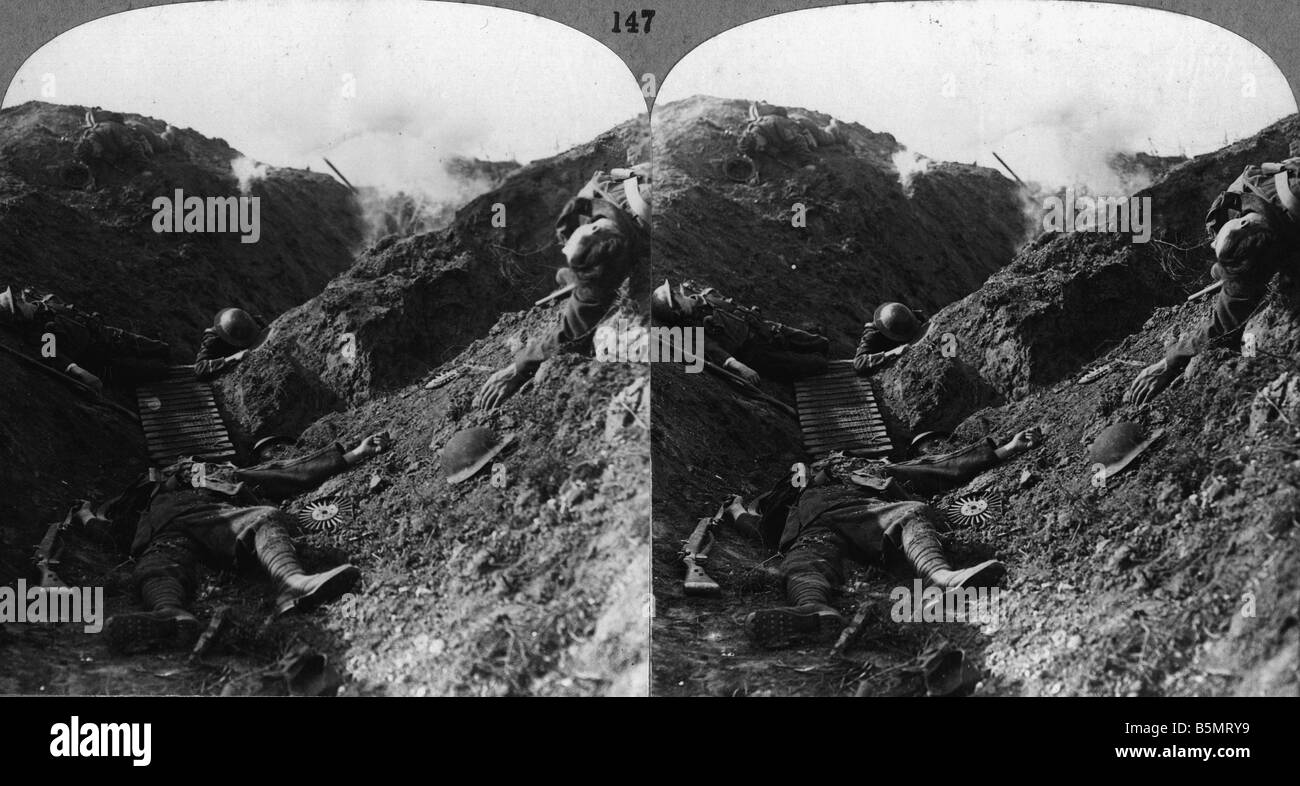 9EN 1918 3 0 A1 E WW I Killed British soldiers Photo World War I France theatre of war during the German counter - Stock Image