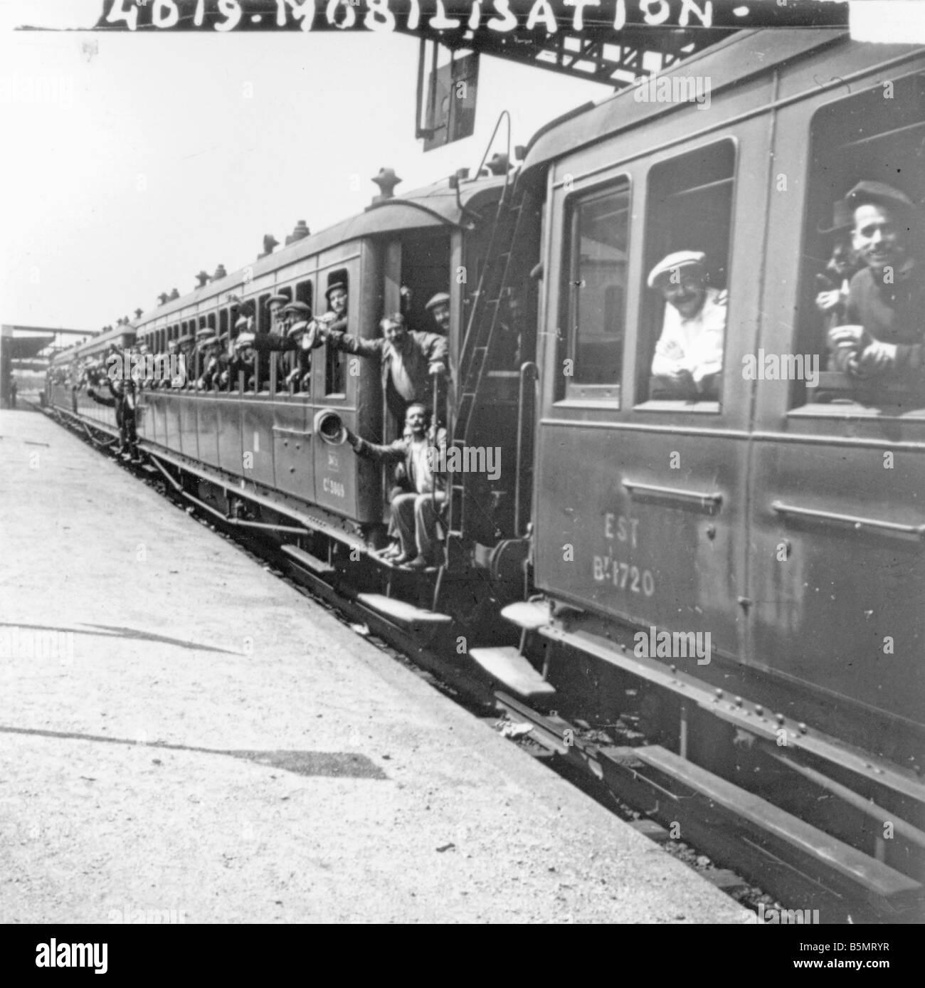 9FK 1914 8 2 A1 2 Fr mobilisation 1914 Troop transport World War 1 Outbreak of war Mobilisation on 2nd August 1914 - Stock Image