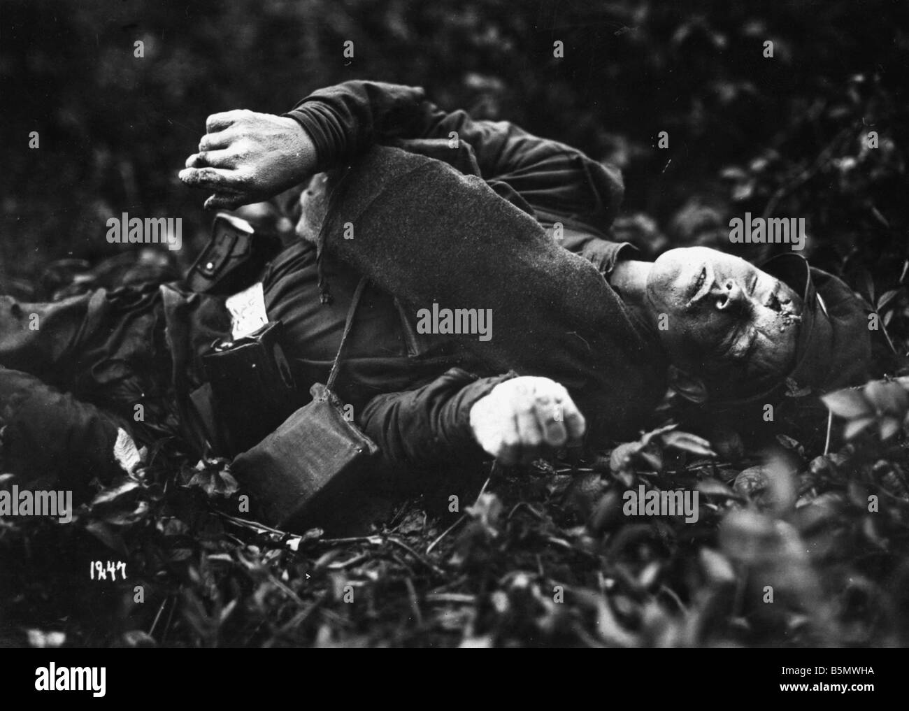 9RD 1914 0 0 A1 E Great War Russian Fallen Great War 1914 18 Russian Fallen Undated photogr - Stock Image