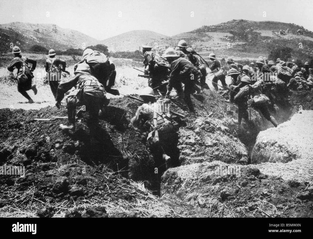 9TK 1915 4 25 A1 1 Battle for Gallipoli 1915 Photo World War One War in the Near East Allied attempt at landing - Stock Image