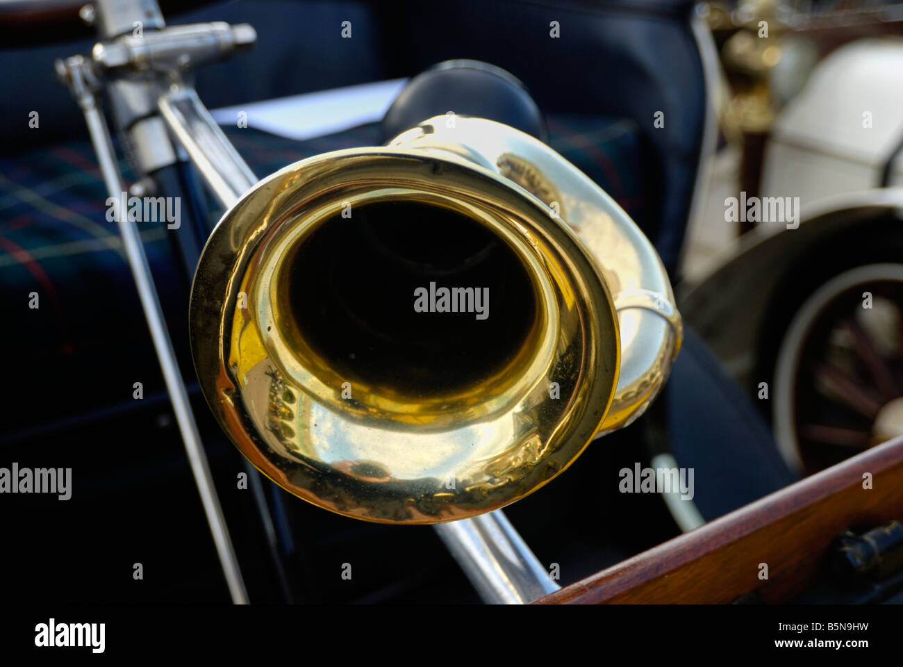 Vintage Old Car Horn Stock Photos & Vintage Old Car Horn Stock ...