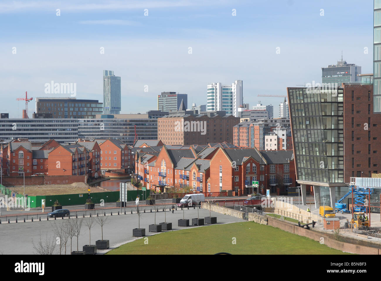 New apartments emerging over the city skyline in Manchester - Stock Image