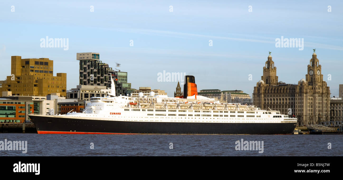 QE2 on its last visit to Liverpool - Stock Image